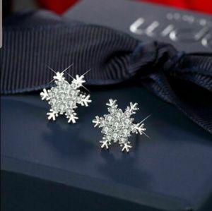 Snowflake Earrings Diamond Rhinestone Studs NEW